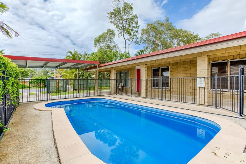 The swimming pool at or near 14 Double Island Drive - Rainbow Beach, Large Holiday House with Pool,Pets Welcome, Free Wi-Fi