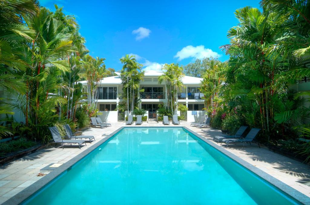 The swimming pool at or near Plantation 2 - Absolute Beachfront