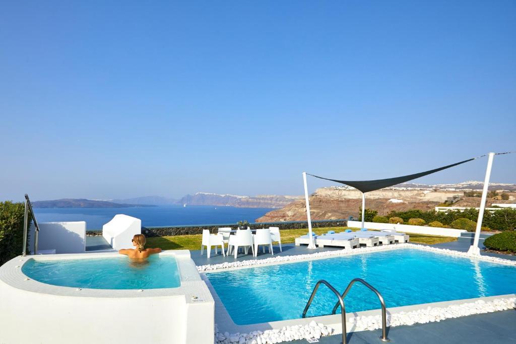 Piscine de l'établissement Santorini Princess Presidential Suites ou située à proximité