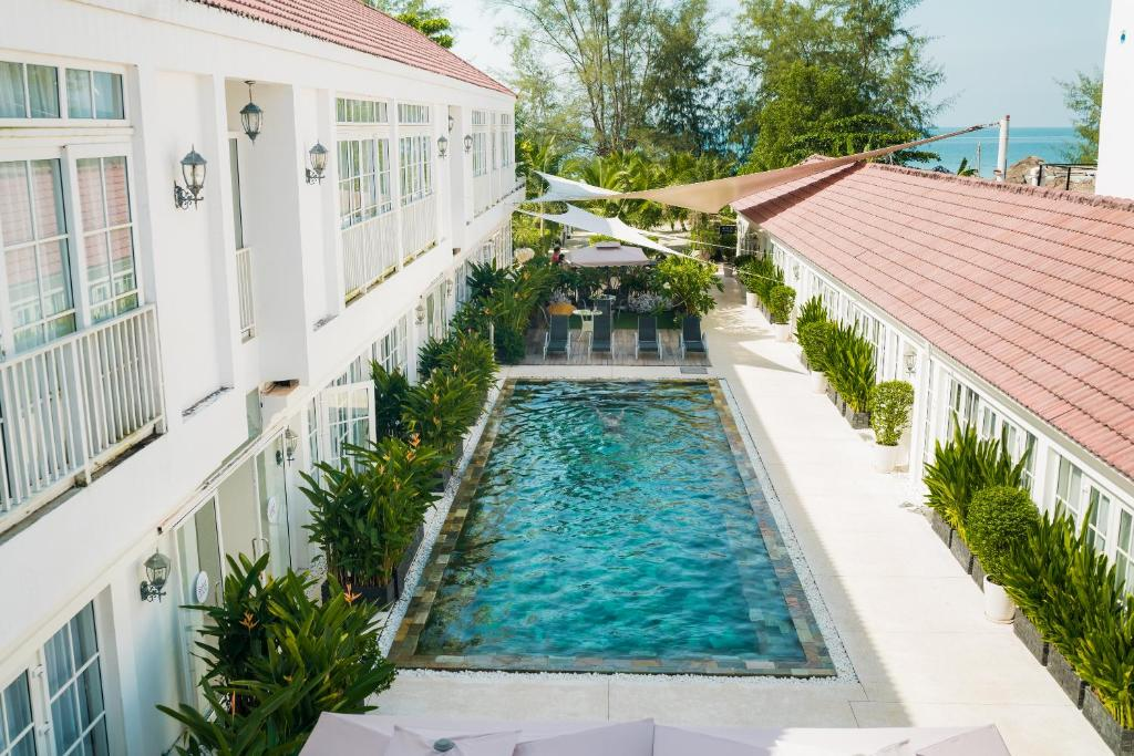 A view of the pool at White Boutique Hotel and Residences or nearby