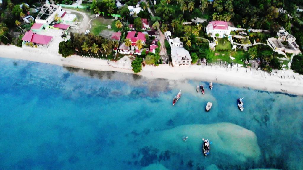 منظر Imani Beach Villa Resort من الأعلى