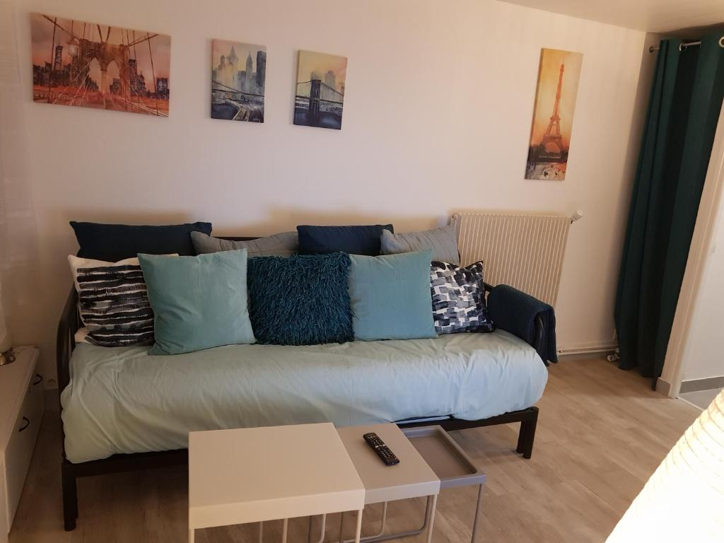 Near PARIS: Cozy Appartment at GARE Massy TGV & RER B and C
