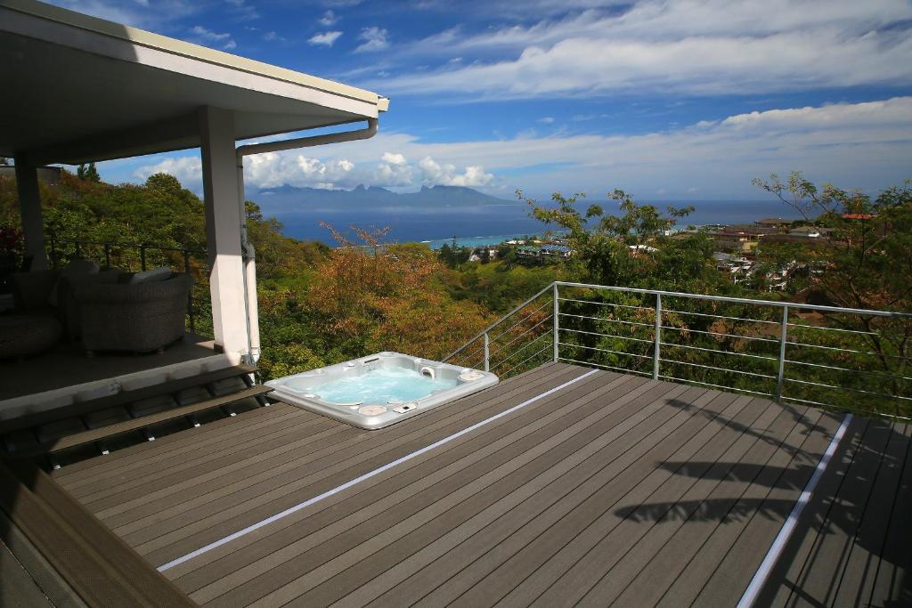 A piscina localizada em Ocean view & spa ou nos arredores