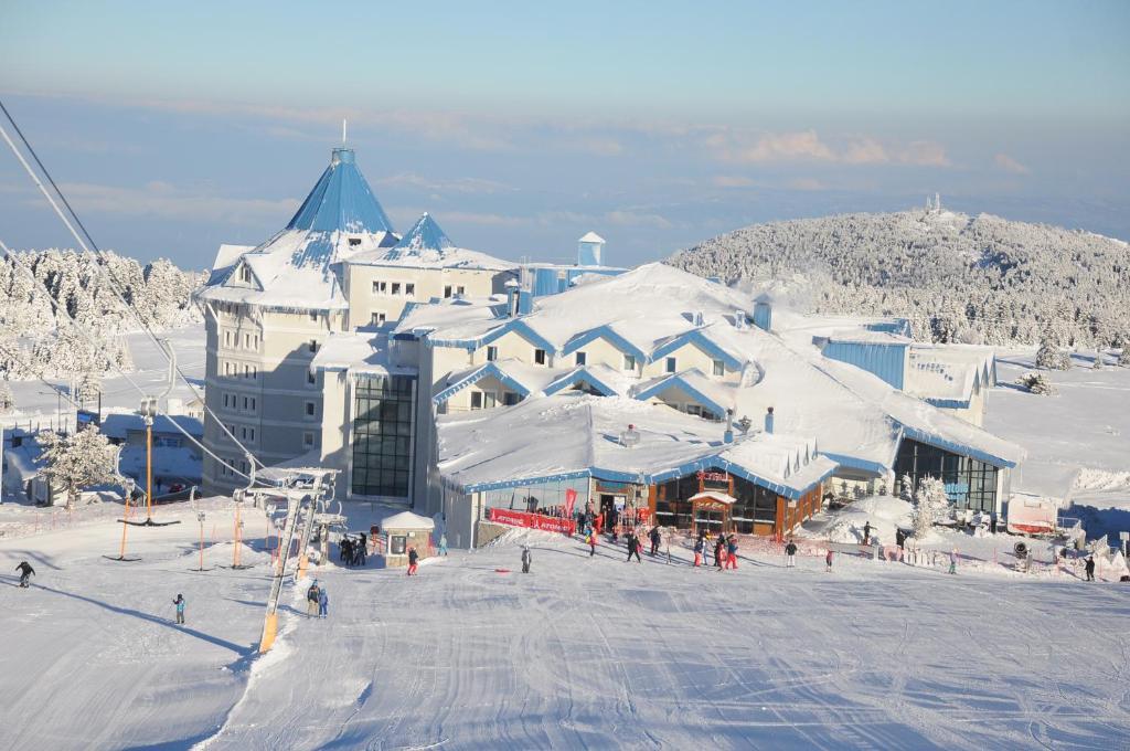 Bof Hotel Uludağ Ski & Convention Resort during the winter