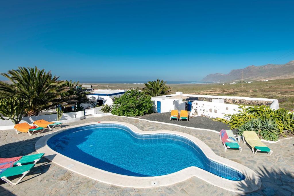 Uitzicht op het zwembad bij Finca Las Laderas of in de buurt