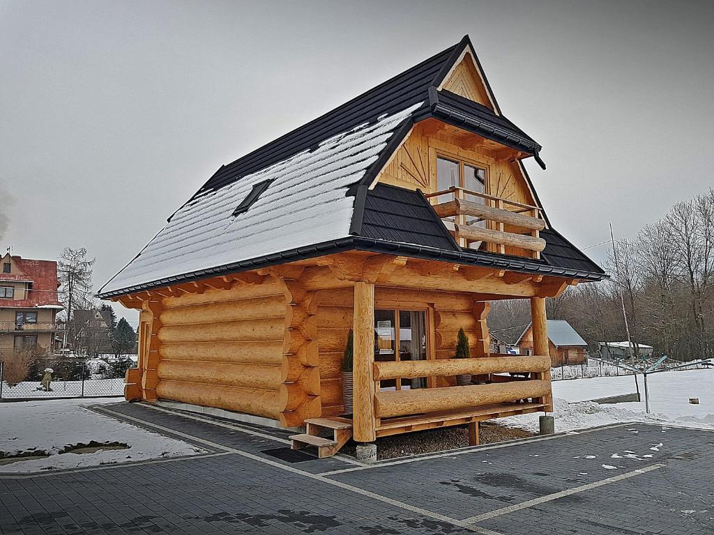 Obiekt Domki u Czerników zimą