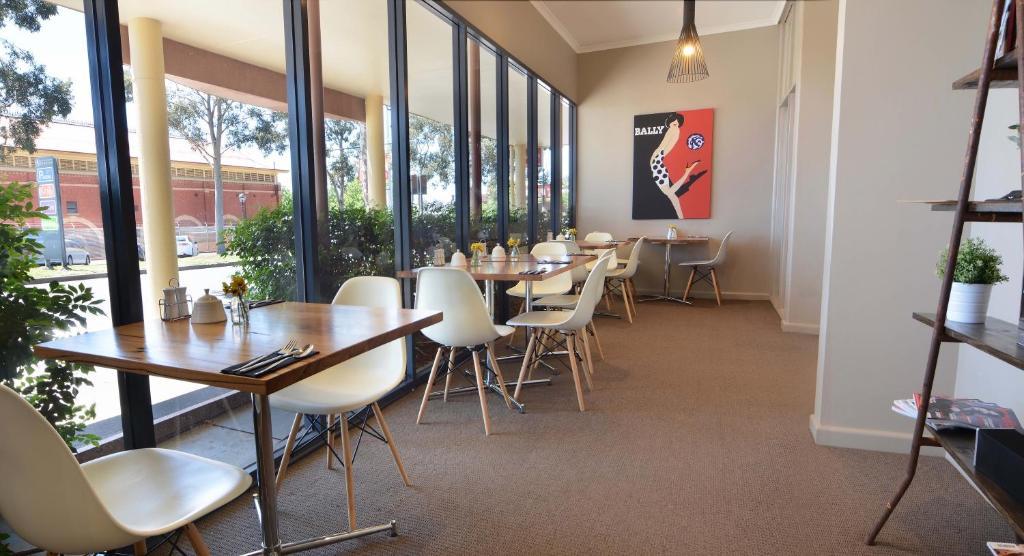 Ресторан / где поесть в Barclay On View