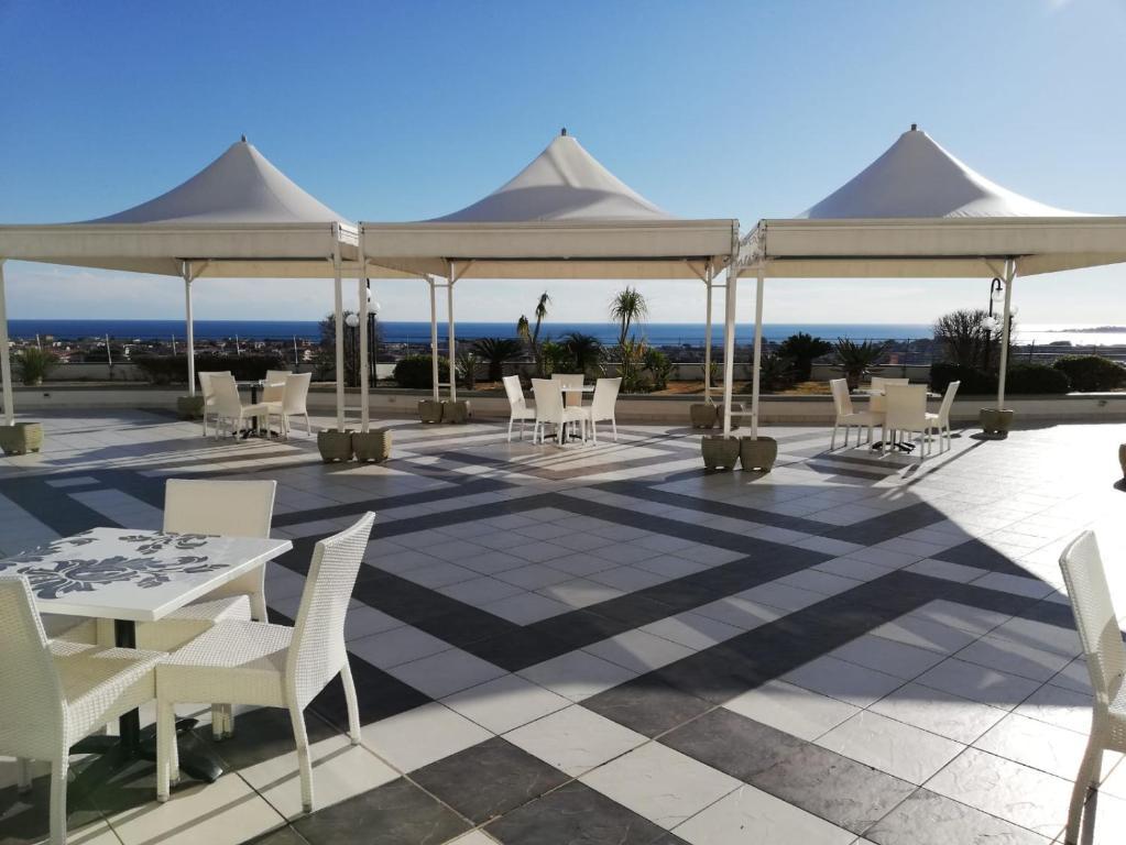 Mirabeau Park Hotel - Laterooms