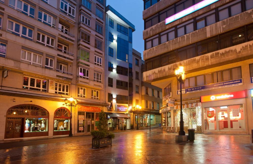 Blue Longoria Plaza - Laterooms