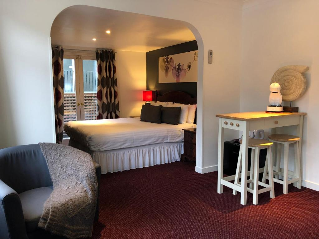 A room at the Berjaya Eden Park London Hotel.