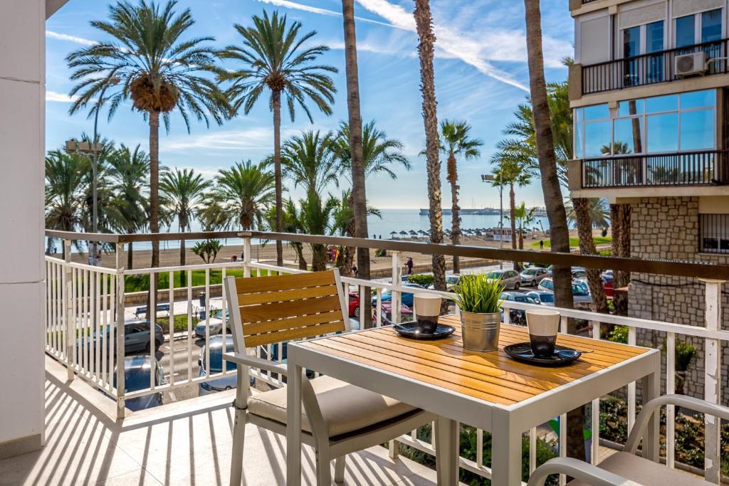 A balcony or terrace at Smart Malagueta Seaview