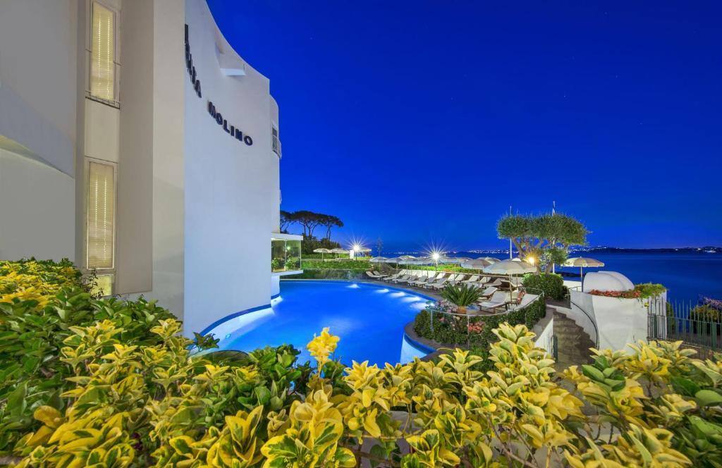 The swimming pool at or close to Grand Hotel Punta Molino Terme