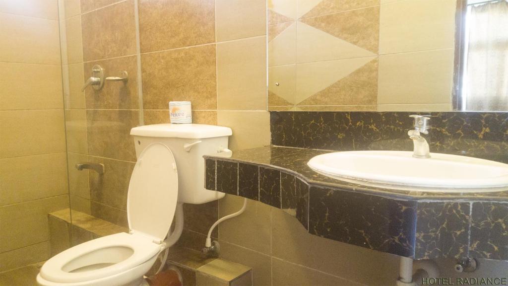 A bathroom at Hotel Radiance
