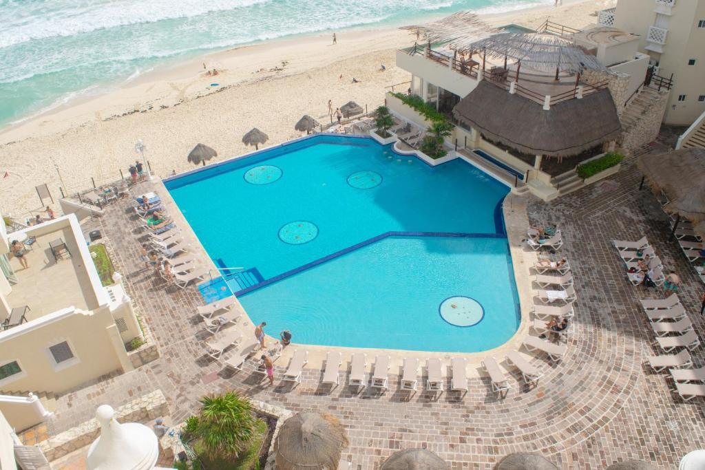 Vista de la piscina de BSEA Cancun Plaza Hotel o alrededores