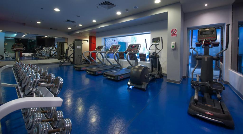 The fitness center and/or fitness facilities at Mercure Corniche Al Khobar