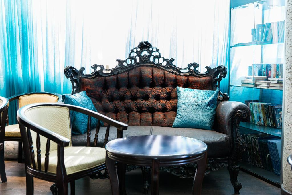 A seating area at Elis Boutique Hotel