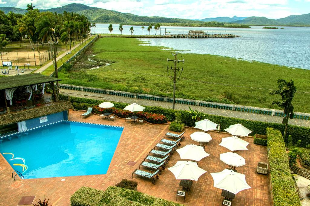 A view of the pool at Camboa Capela Hotel or nearby