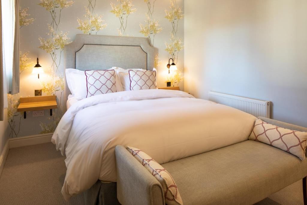 The Inn West End in Bisley, Surrey, England