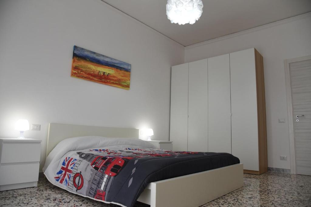 A bed or beds in a room at SeaSound