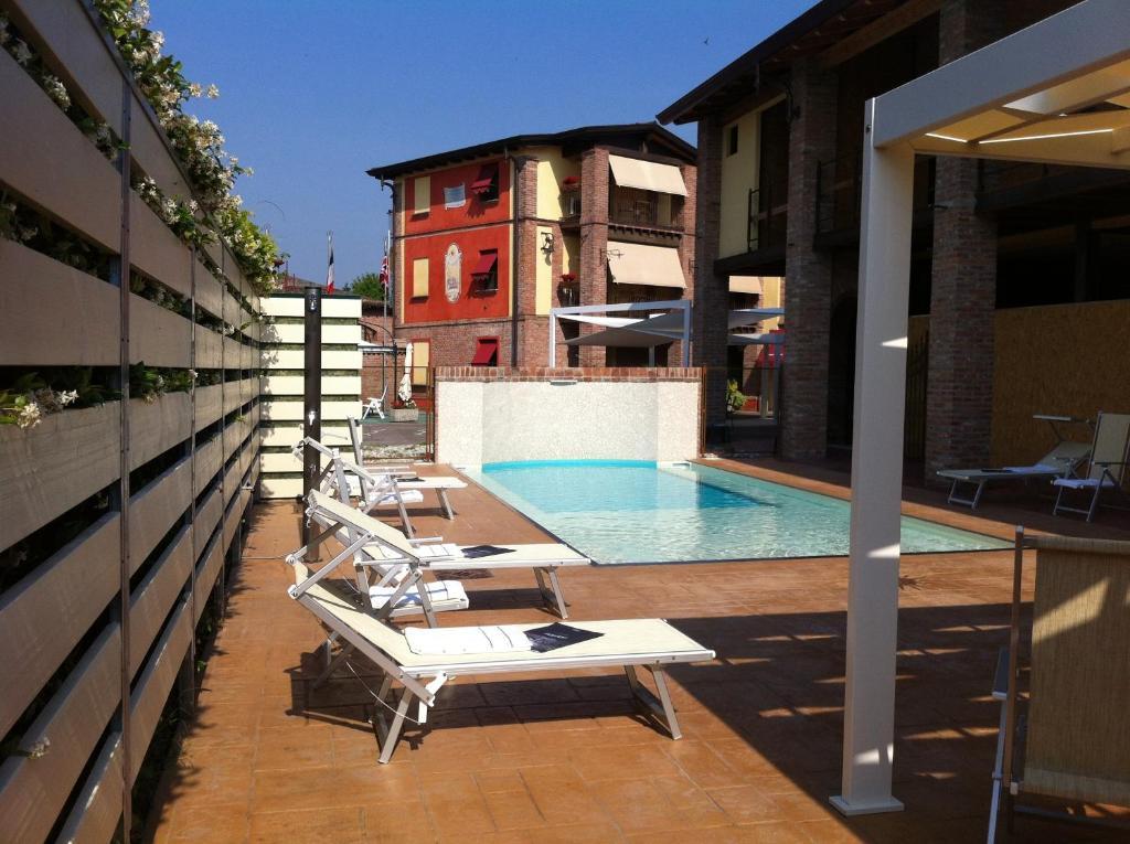 Piscina di Luna Residence Hotel o nelle vicinanze