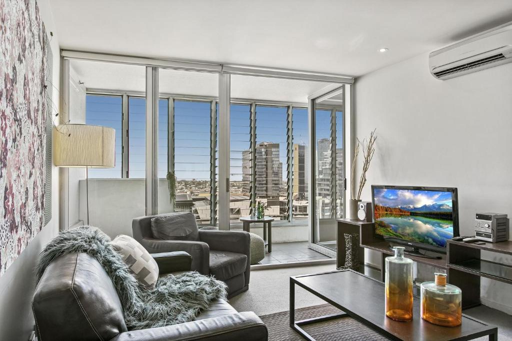Modern Two Bedroom Apartment In Melbourne Cbd Melbourne Updated 2021 Prices