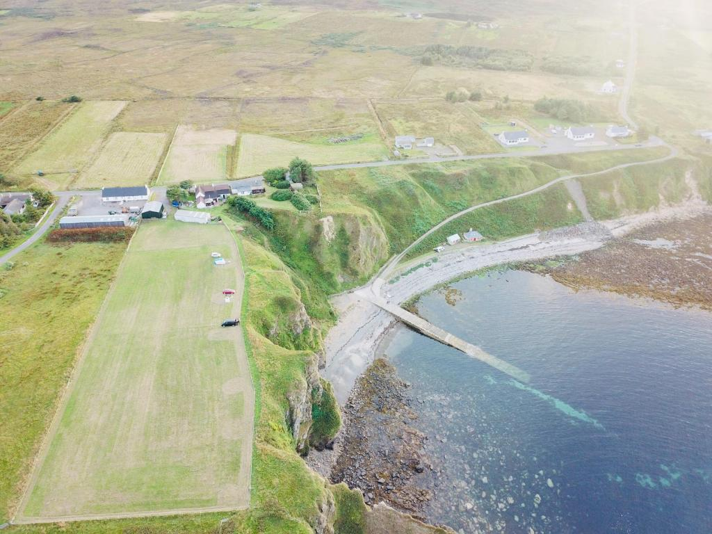 A bird's-eye view of Windhaven Cafe, Camping and B&B