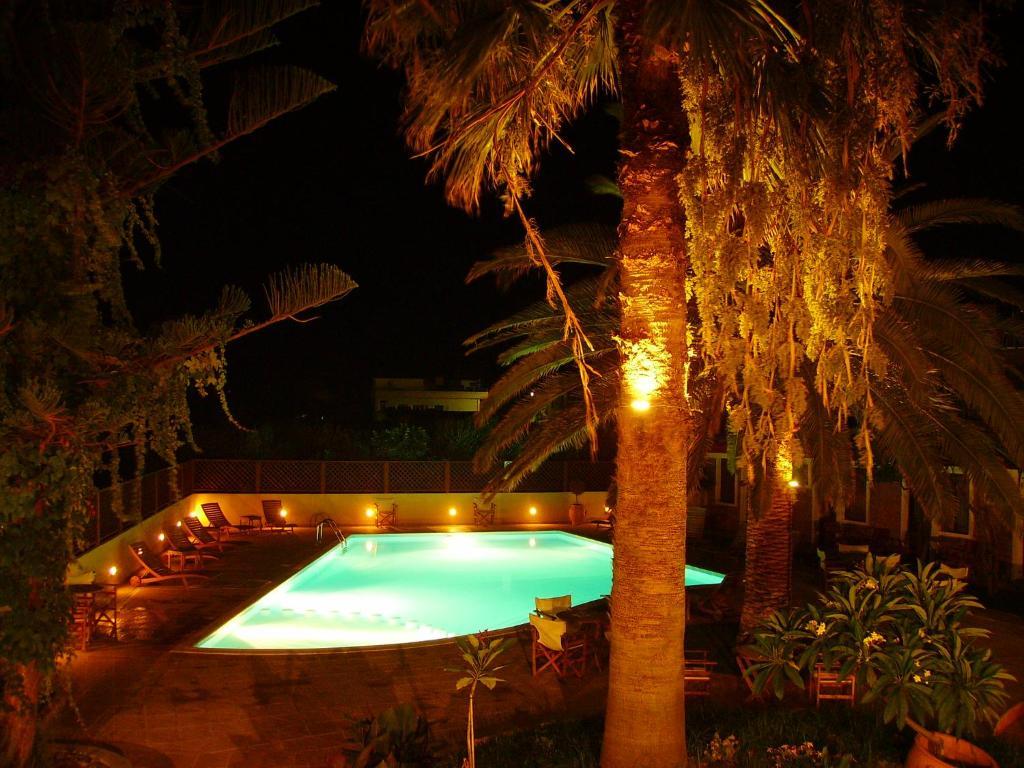 Πισίνα στο ή κοντά στο Ξενοδοχείο Κίσσαμος
