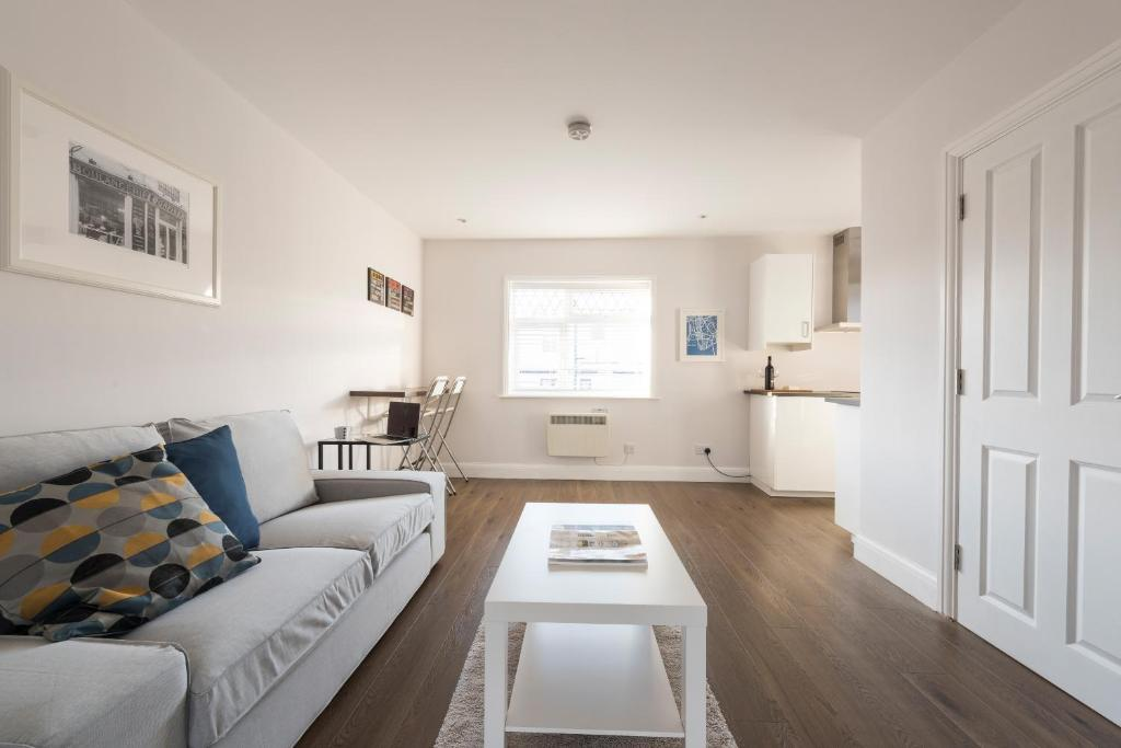 Quality Apartments Close to Tube