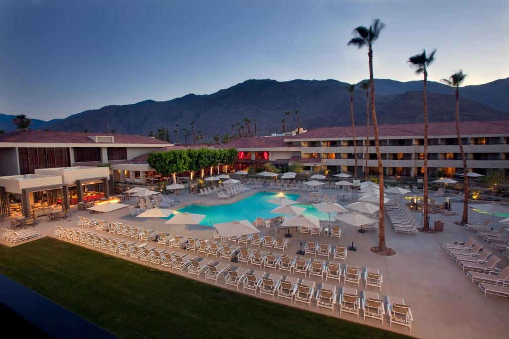 A view of the pool at Hilton Palm Springs or nearby