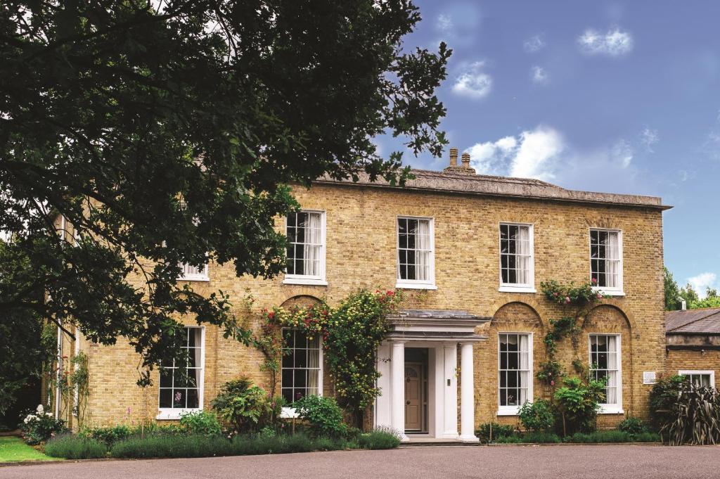 Hadlow Manor Hotel - Laterooms