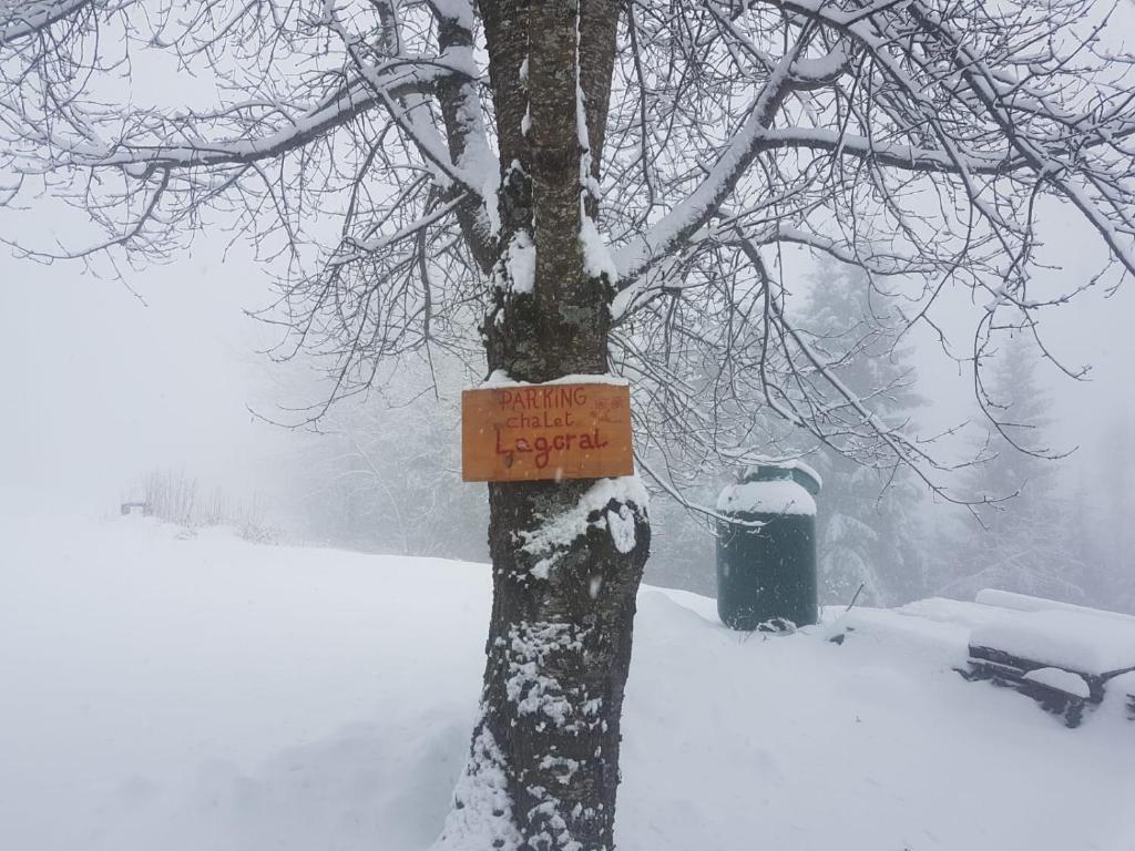 Chalet Lagorai durante l'inverno