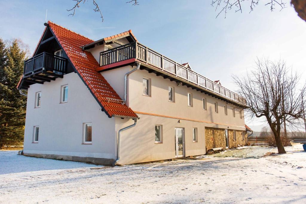 Obiekt Dom w Domu zimą