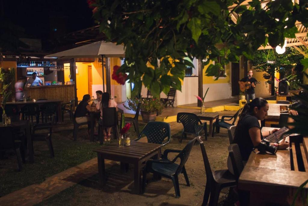A restaurant or other place to eat at La Posada del Gecko