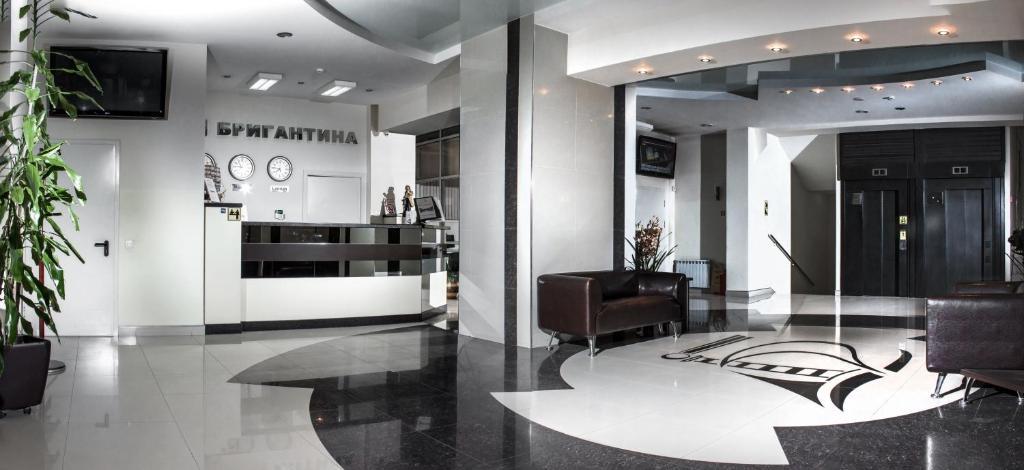 Лобби или стойка регистрации в Отель Бригантина