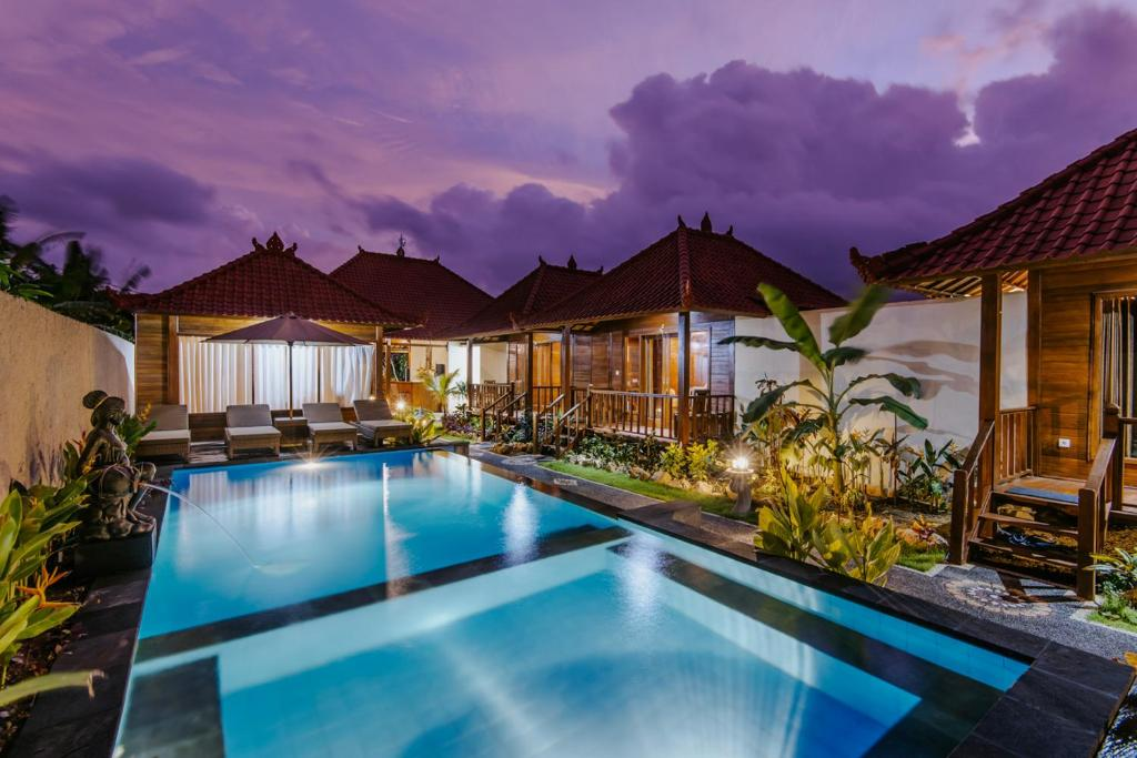 The swimming pool at or close to Lembongan Small Heaven Bungalow