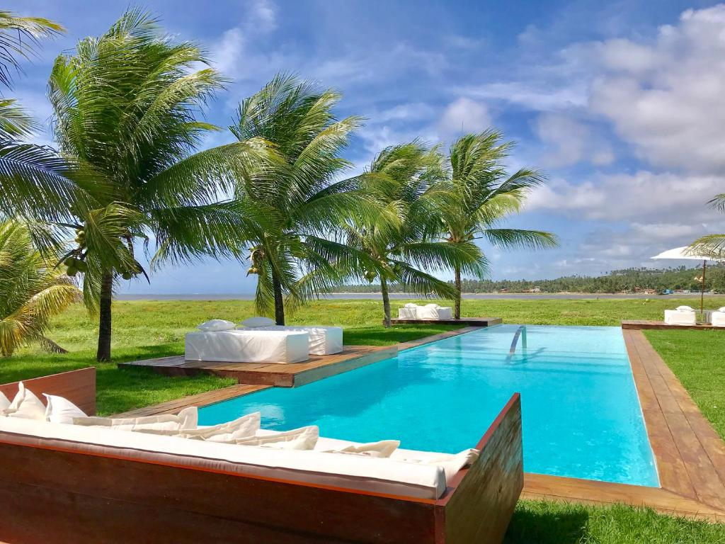 The swimming pool at or close to Pe na Areia Boutique Hotel