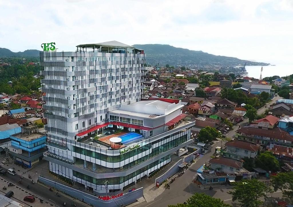 Een luchtfoto van Hotel Santika Premiere Ambon