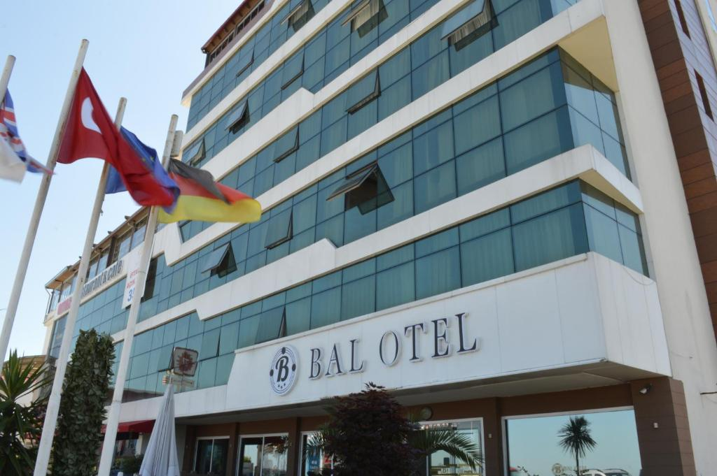 Bal Hotel