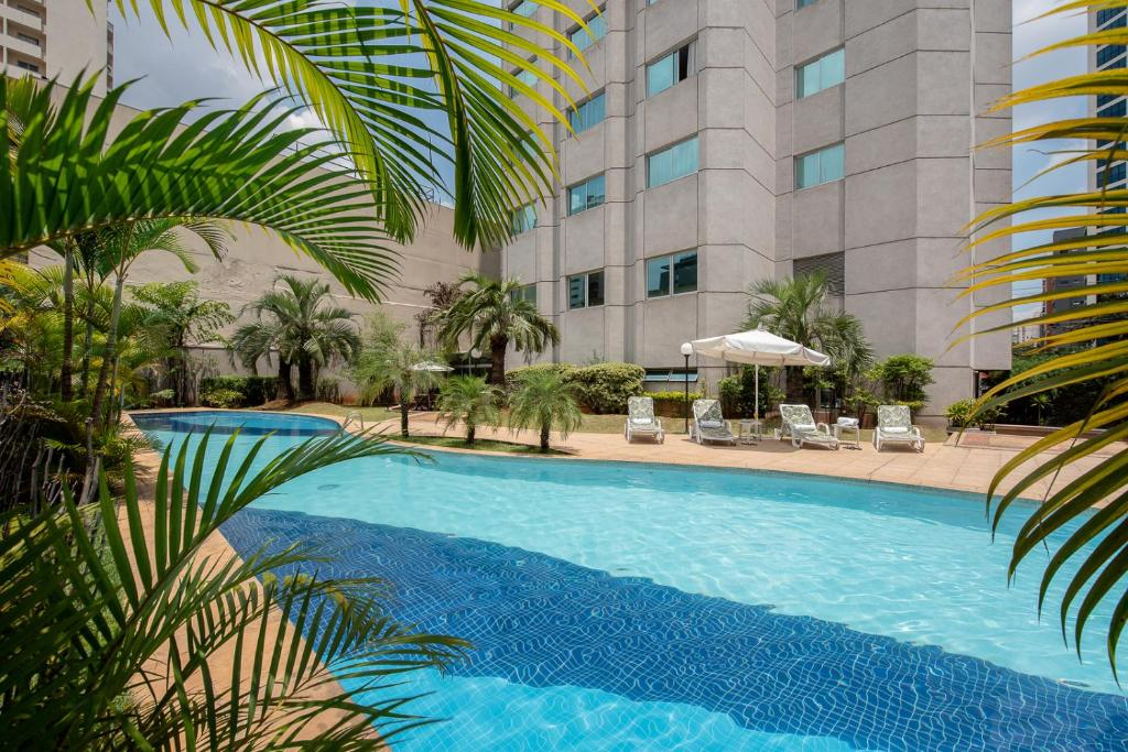 The swimming pool at or near Intercity São Paulo Ibirapuera