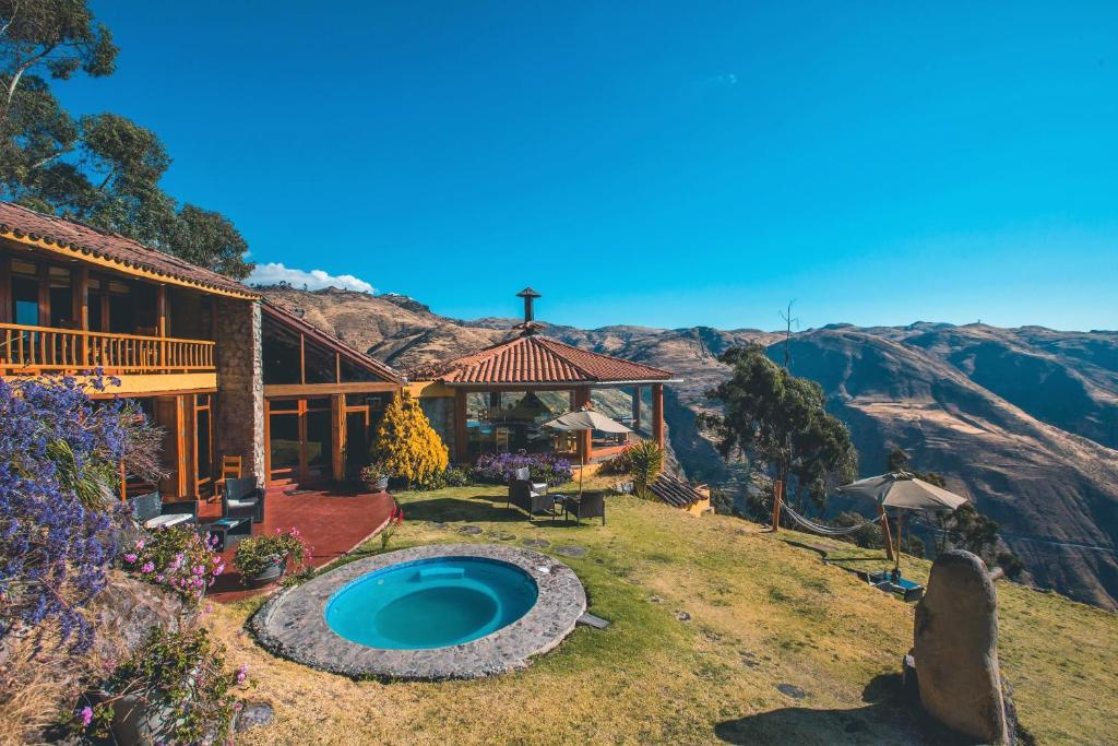 A view of the pool at Refugio Viñak or nearby