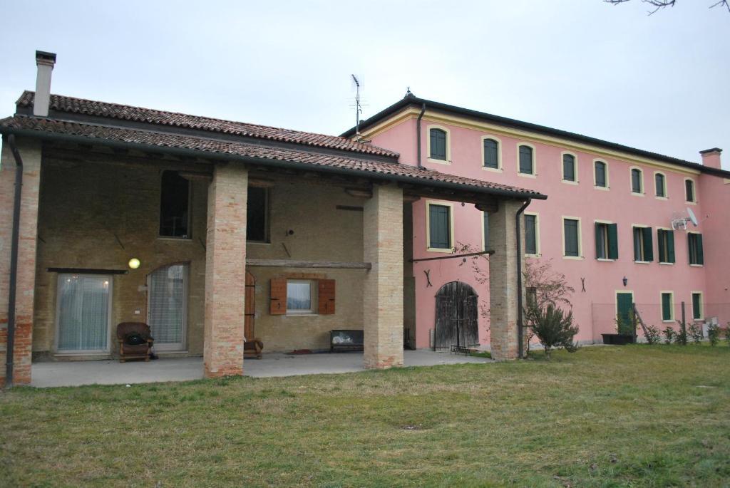 Hotels In Veternigo