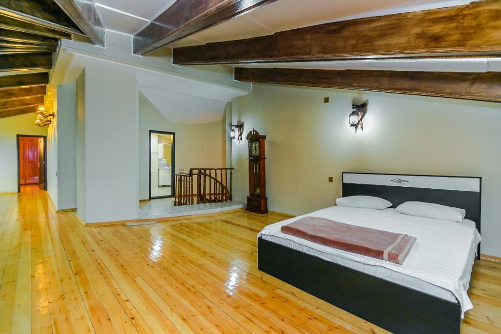 Cama ou camas em um quarto em BAKU CITY CENTER 4. Bedrooms 4.