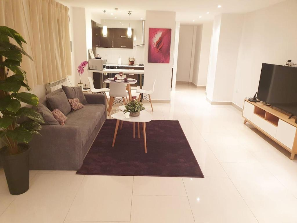 A seating area at Appartement Djenane El Malik Hydra