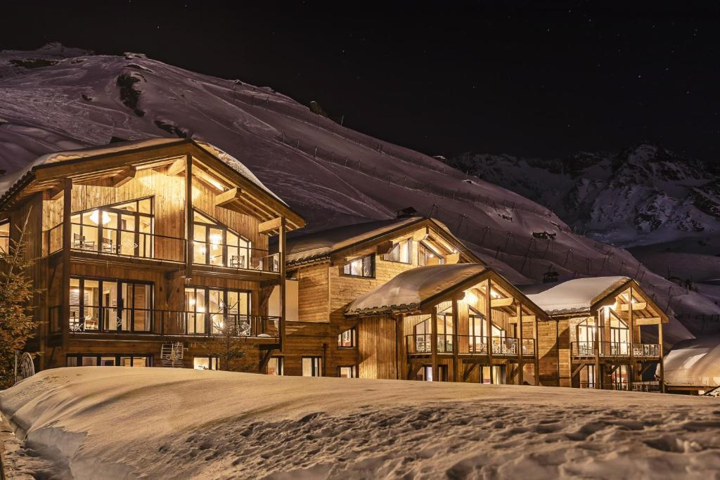 Chalets du Koh-I Nor during the winter