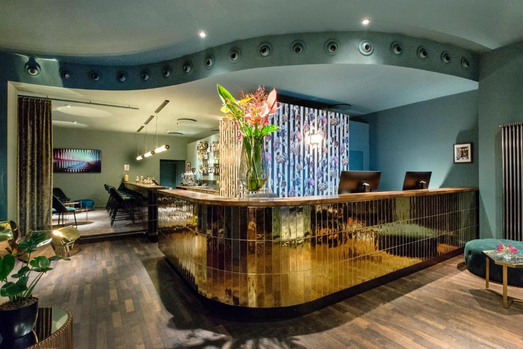 The lobby or reception area at Manhattan Hotel