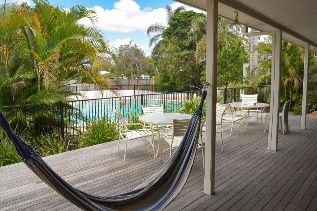 The swimming pool at or near Hervey Bay Flashpackers