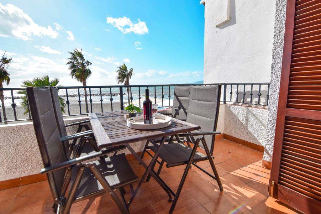 A balcony or terrace at Letmalaga Cremades Seaside