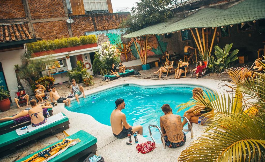 The swimming pool at or near Viajero Hostel Cali & Salsa School