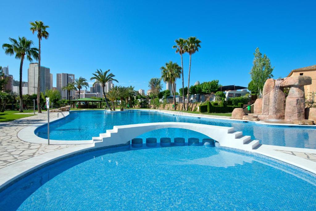 The swimming pool at or near Camping Villasol