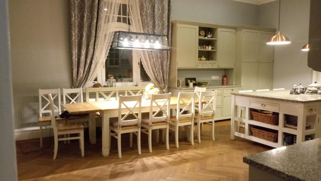 Restauracja lub miejsce do jedzenia w obiekcie Villa Ley